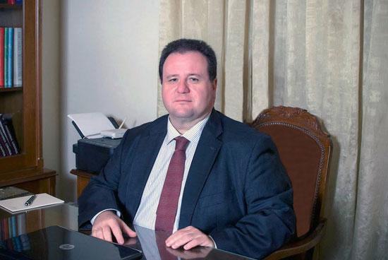 Ηλίας Δαλαΐνας - Αγγειολόγος - Αγγειοχειρουργός